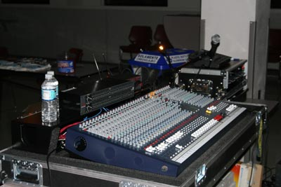 Soundcraft LX7ii 32-Channel Analog Mixing Console